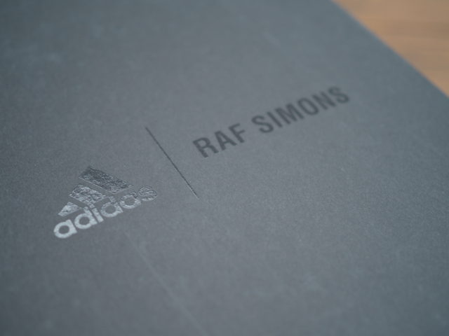 adidas by RAF SIMONSのスタンスミスの箱その2